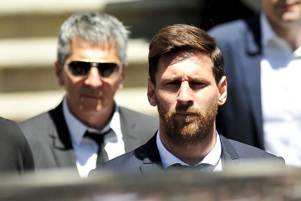Lionel Messi's Father Addresses Reports He Travelled To Paris To Negotiate Transfer To PSG